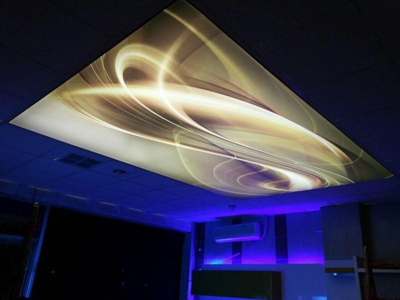 تصویر سقف آسمان مجازی رنگی