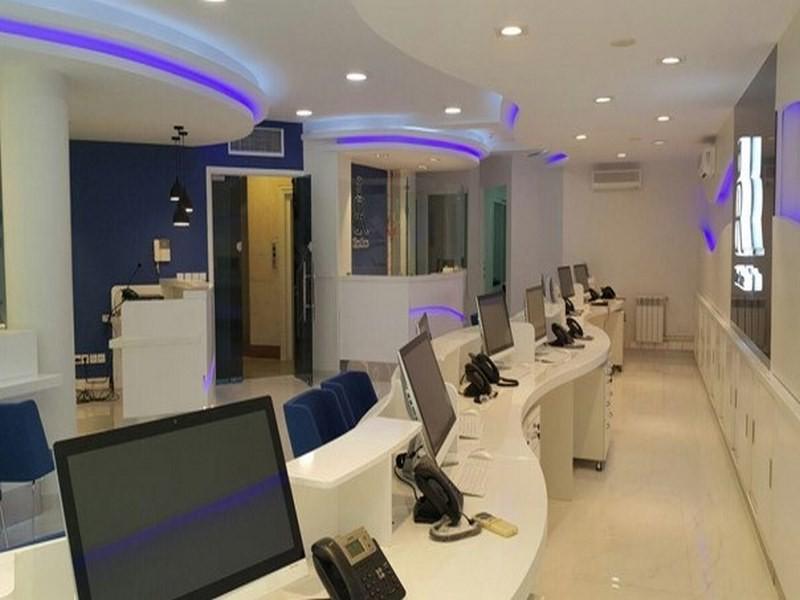 تصویری از محیط داخلی آژانس هواپیمایی